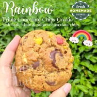 Best New York City Soft Baked Chewy Rainbow Chocolate Chips Cookies