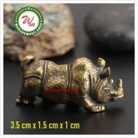 Patung hiasan atribut Fengshui Badak bahan kuningan