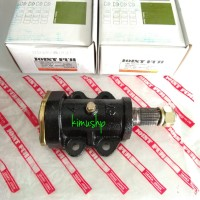 IDLER ARM HOUSING STEER CENTER ARM L300 BEARING FUJI JAPAN MB166425