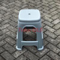 Kursi Plastik Rotan / Bangku Plastik Rotan / Kursi Anyam Plastik - Abu-abu