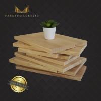 Talenan Kayu Besar/Wooden Cutting Board 22x22 Cm Bahan Kayu Pinus