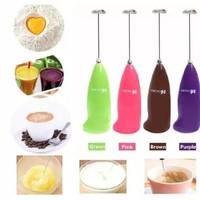 Mini Hand Mixer Portable Alat Dapur Aduk Otomatis - Merah Muda