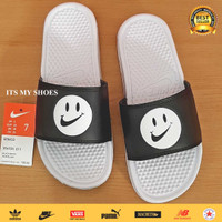 Sandal Slop Pria-Benassi Smile-Putih Hitam