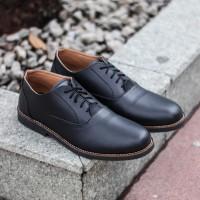 Lvnatica Footwear Sepatu Pria Formal Dembble Black Pantofel