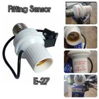 Fitting Sensor Bohlam E27 Lampu Otomatis Cahaya Siang Dan Malam