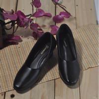 Sepatu wedges hitam pantofel kantor perempuan bahan premium sintetis