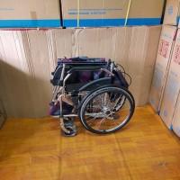 kursi roda standar murah kuat praktis.