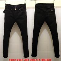 Celana Panjang Jeans OAK Black Solid SlimFit (not Guess TR LV Gucci
