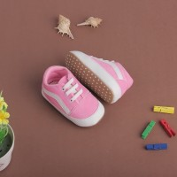 Sepatu Anak Bayi Prewalker Unik PINK bahan suede