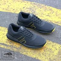 Sepatu Olahraga | Casual Pria Warna Hitam Kuning B361