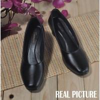 Sepatu pantofel wanita Sepatu kantor formal perempuan 35-43 051 D