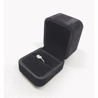 Jewelry Box Cincin, Liontin, Gelang, Kalung, Warna Hitam Beludru - Cincin Bantalan