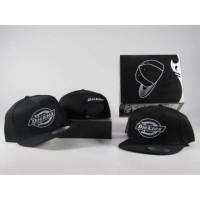 topi original import / snapback dickies shirt original import / hat