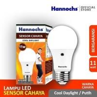 Lampu LED Hannochs Sensor cahaya 11 watt menyala otomatis malam