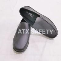 Sepatu Pantofel Pria Karet Kerja Kantor Formal Anti Air Hujan ATT 350
