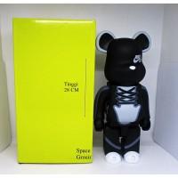Pajangan Figure Mainan BearBrick BE@RBRICK Nike SB Black Color 400%