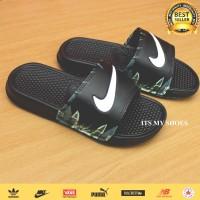 Sandal Slop Pria Wanita-Benassi Flip Flop-Black Flower White