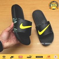 Sandal Slop Pria Wanita-Benassi Flip Flop-Black Flower Yellow