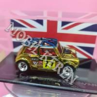 Hot Wheels Custom Morris Mini British Gold Union Jack Flag Roof