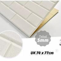 Wallpaper Stiker Dinding 3D Foam Bata Tekstur Kulit 70 x 77cm