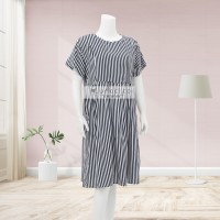 Lunaci Vertical Black Midi Dress