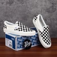 Sepatu Vans Slip On OG LX Motif Checkerboard Catur Black Off White