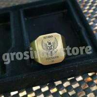 Cincin gold titanium istana presiden kotak Custom logo ukir Grafir
