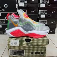 Sepatu Basket Nike Lebron Soldier 14 Grey White