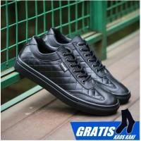 Sepatu Sneaker Pria Walker Pedro Original dua varian warna hitam dan