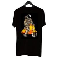 BF004 - Kaos Distro Pria T-Shirt Pria Kaos Pria Astronaut Riding Vespa - Abu-abu, XL