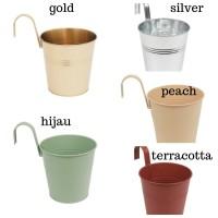 pot tanaman metal gantung - silver