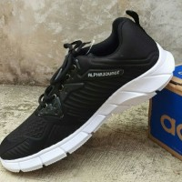 sepatu sneakers running sport pria bahan kanvas warna hitam