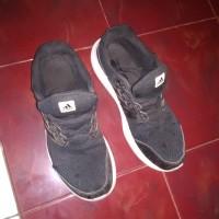 sepatu adidas cloudfoam original second / bekas ukuran 47 hitam black