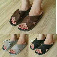 Sandal Selop Wanita Fitflop Crystal slide