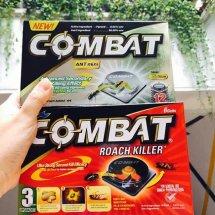 Logo COMBAT Roach Killer