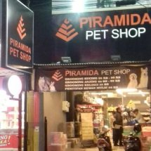 Piramida Pet Shop Buaran Logo