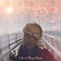 Magnifique Life Logo