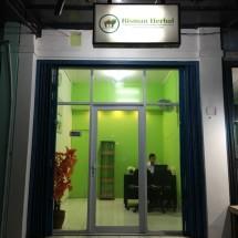 Risman Herbal Store Logo