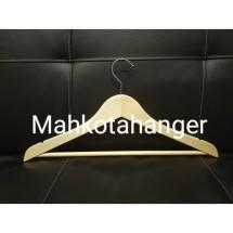 MahkotaHangerJaya Logo