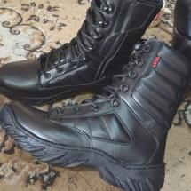 APIK boots Logo