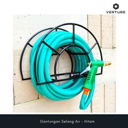 Gantungan Selang Air Warna Hitam / Garden Hose Hanger Black