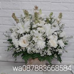 bunga rangkaiang untuk ulang tahun/ duka cita