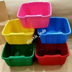 Baskom Segi Plastik 9 Liter   Baskom Kotak Warna Warni - Campur