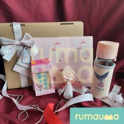 RUMAUMA Yours Flower Valentine Cewek Hampers Couple Buku Parcel Murah