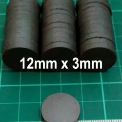 Magnet Hitam Ferrite Bulat Koin Disc Tempelan Kulkas 12mm x 3mm