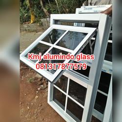 Kusen jendela aluminium ornamen