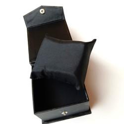 Box Jam Tangan Kancing Hitam