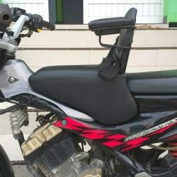 JOK BONCENGAN ANAK U/ MOTOR SATRIA&SONIC ADA BESI SANDARAN & SEATBELT