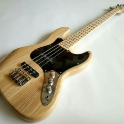 Gitar Bass Fender jazz bass Natural meck mapple murah