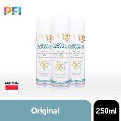 CELEB Lavme Spray ( spray anti bakteri ) ; Reisa Broto Sonia Wibisono